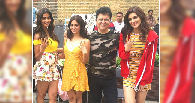 Housefull 4: Akshay, Riteish, Bobby Along With Kriti And Pooja Kick Start Shooting In London