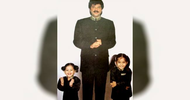 Sonam Kapoor shares adorable picture with Anil and Rhea