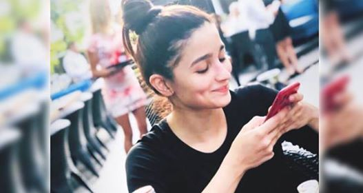 Alia Bhatt's happy face after reuniting with Ranbir in Bulgaria is making us go aww