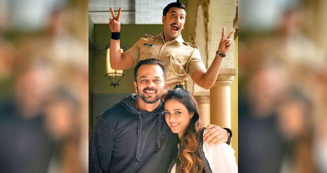 Ranveer Singh Becomes The Cute Photobomber Of Tabu And Rohit Shetty's Snap On Simmba's Set