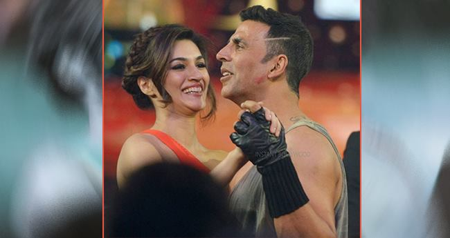 Akshay Kumar And Kriti Sanon Starrer Housefull 4 Will Have Baahubali Connection But With A Twist