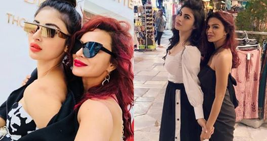 Mouni celebrates her birthday in Greece with her besties, pics are out to sizzle the internet