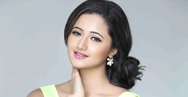 Rashami Desai leaves a fashion show after being replaced in the last minute, expresses her disappointment