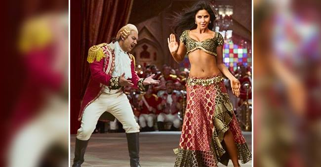 Aamir Khan Mesmerized By Katrina Kaif's Aura In Thugs Of Hindostan's Song Suraiyya