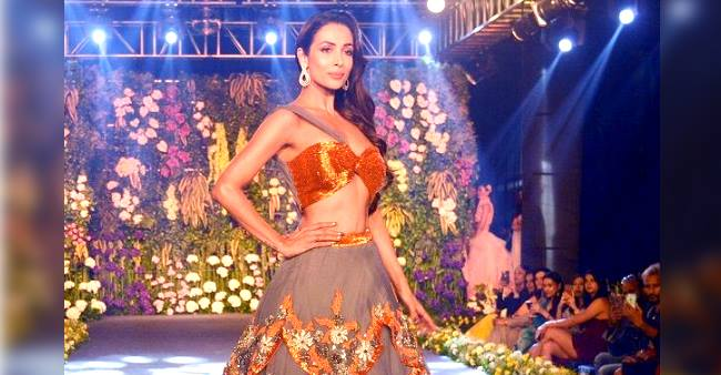 Malaika Arora looks every bit gorgeous at The Wedding Junction fashion show