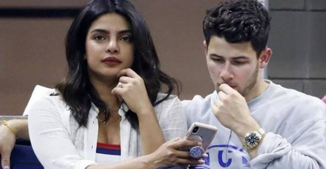 Nick's First Text To Priyanka Chopra Is What Every Girl Dreams Of