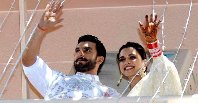 Ranveer applying sindoor on his forehead for wife Deepika proves he has guts to do anything