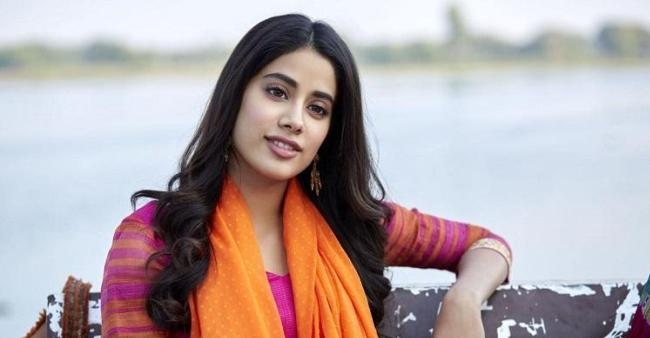 Janhvi Kapoor Spills The Beans On Her First Love On KWK 6 And We Are Amazed