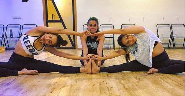 Malaika Arora gym session along with lady gang is giving major fitness goals to us