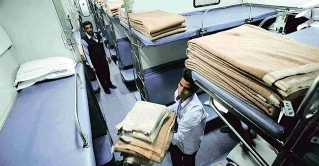 Know Why Indian Railways Will Now Take The Blankets 30 Mins Before Your Journey Ends