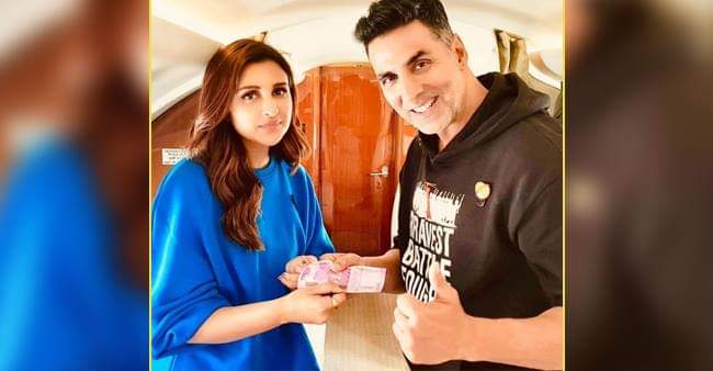 Netizens React Hilariously When Parineeti Chopra Paid Rs 2000 To Akshay Kumar That She Owed