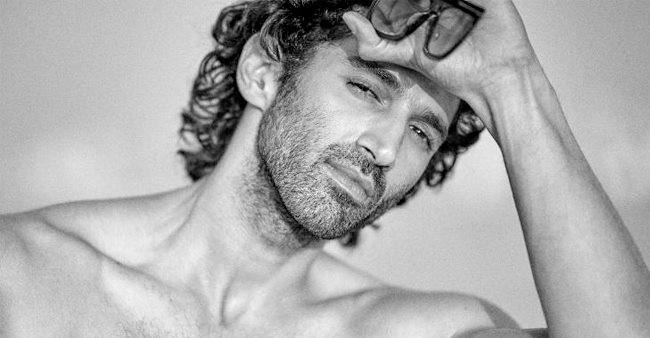 Aditya Roy Kapur sets Instagram on fire by posting a shirtless picture of himself.