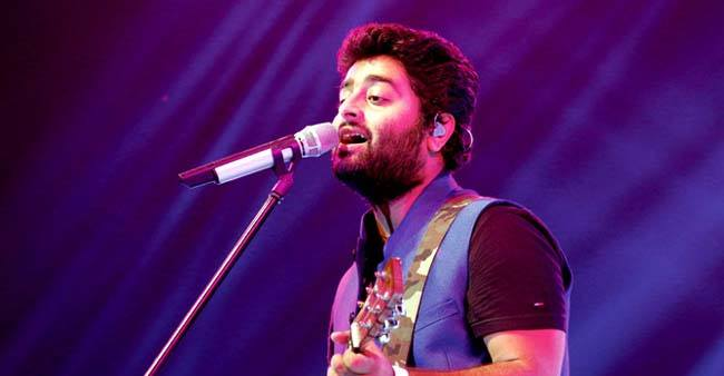 Happy Birthday to the soul of Bollywood Arijit Singh. Here are the 5 facts about the singer.