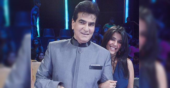 Actor Jeetendra had a pre-birthday bash and it is something unmissable.