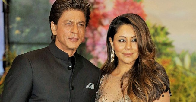 Revealed: Reason Due to Which Gauri Khan Does Not Allow Shahrukh Khan To Post Family Pictures Online