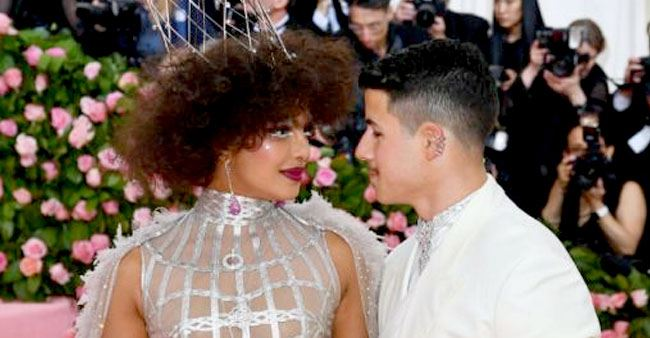 Priyanka Chopra Leaves an Adult Comment on Hubby Nick Jonas' Latest Instagram Post, Check it Inside