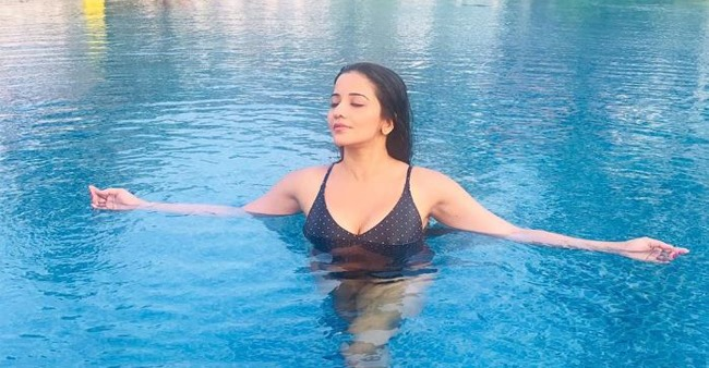 'Nazar' Actress Monalisa Raising Temperature Among Netizens in her Scorching Bikini Pictures