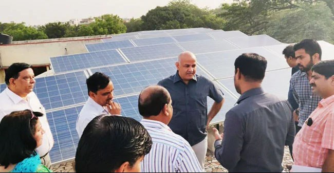 Delhi Ministry to install Solar Panels in schools to reduce the electricity bills to maximum of Zero