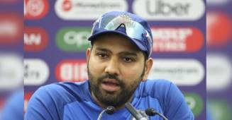 Rohit Sharma gives a perfect and humorous reply to the Pakistani Journalist