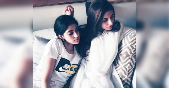 Shweta Bachchan's daughter Navya snuggling up to her mom on a rainy day is the best thing you will see today