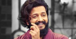 Riteish Deshmukh's witty reply to a man trying to have a dig at the actor has the internet in splits