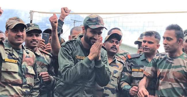 Vicky Kaushal celebrates Independence Day with soldiers at Tawang, see pics