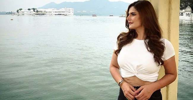 Zareen Khan gets Body Shamed, gives her critics a perfect reply; thanks Anushka Sharma for support