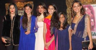 Maheep Kapoor shares a throwback picture featuring young Suhana, Ananya and Shanaya