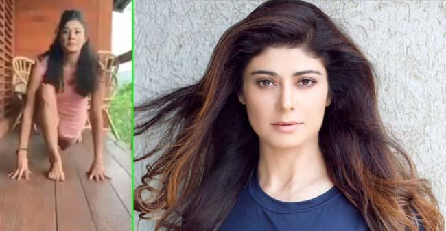 Pooja Batra Is a Fitness Freak, Shares Video Of Doing Suryanamaskar
