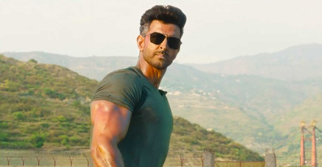 Hrithik Roshan and Tiger Shroff's latest film mints 200 crores in 7 days; breaks various BO records