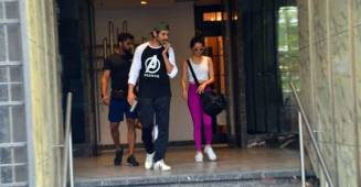 Kartik Aaryan and Shraddha Kapoor look cool in casual as they get papped outside their gym