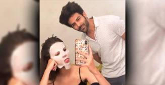 Ananya Panday shares a hilarious boomerang with Pati Patni Aur Woh co-star Kartik Aaryan