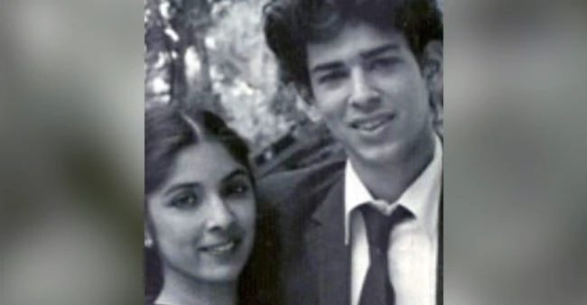 Neena Gupta shares a major throwback pic from 1985, asks whereabouts of her co-star