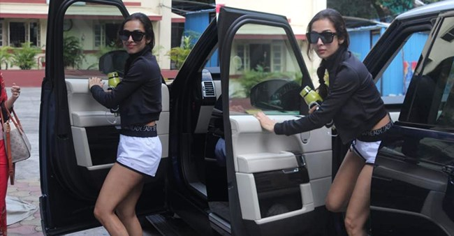 Malaika Arora back to her casual best gets papped on her way to the gym, see pics