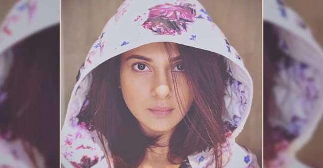 Jennifer Winget shows off her badass side as she dons a 'Gangsta' look in latest pic