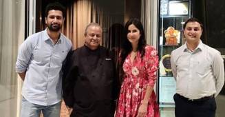 Rumoured couple Vicky Kaushal and Katrina Kaif pose with a chef after having dinner together