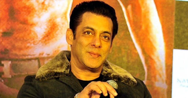 Salman to celebrate his B'day bash at Sohail's home; Cancels his Panvel plan