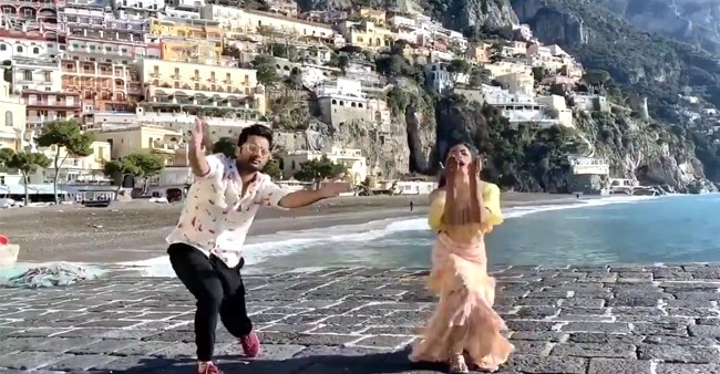 Rashmika and Nithiin's gesture for Hrithik is adorable as they dance on Ghungroo; Watch