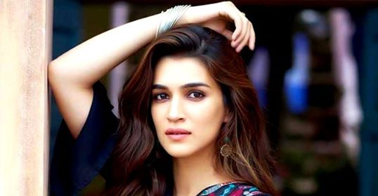Mimi: Kriti Sanon to put on 15 kg weight for her upcoming role; Reveals plan