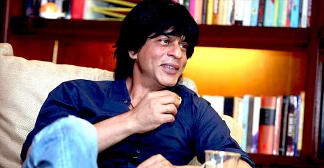 SRK gives a befitting reply to a fan bashing him for continuous flop films