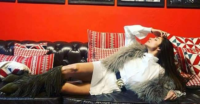 Malaika Arora's 'lounging' picture will definitely make you plan a vacation