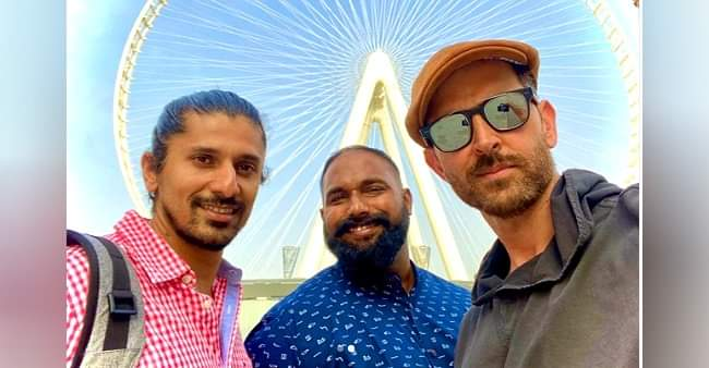 Hrithik Roshan shares selfies with his crewmates from Dubai, calls them 'Superstar'
