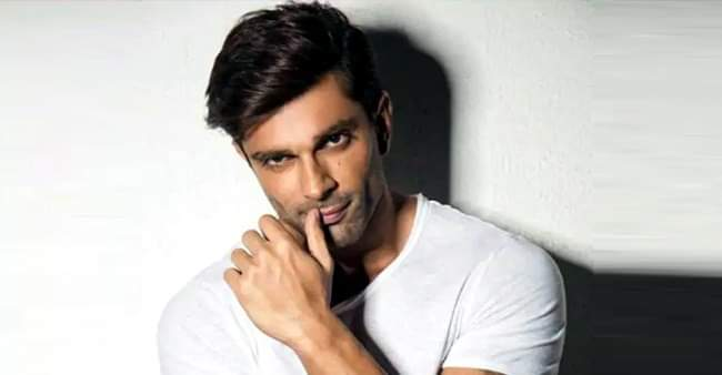 Karan Singh Grover to work in a new show, in talks with Star Plus' makers