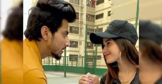 Faisal Shaikh gets defeated by Jannat Zubair in latest TikTok video, fans love it
