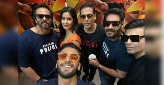 Akshay is a true selfie fan and his pics with Ranveer and Taapsee say it all
