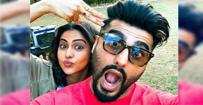 Rakul Preet Singh and Arjun Kapoor surprise their fans with a witty selfie; Check out