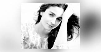 Alia Bhatt looks flawlessly adorable in her new monochrome photo and its unmissable