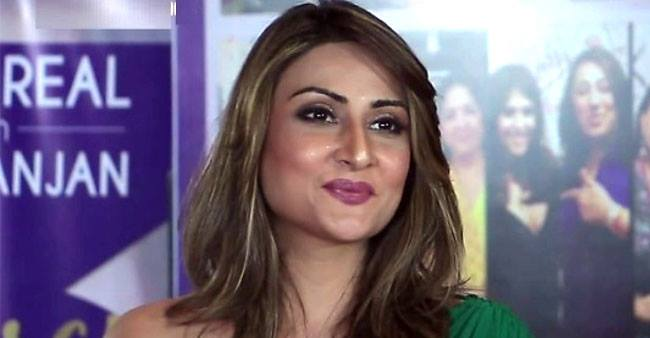 I got diagnosed with tennis elbow due to high phone usage, reveals Urvashi Dholakia