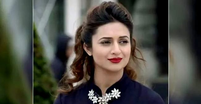 Divyanka praises mommy Neelam Tripathi, says 'I learn a lot from her management skills'
