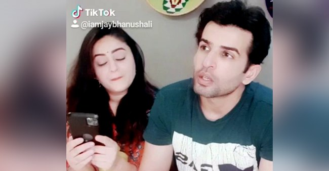 Jay Bhanushali gives a hilarious reply to Mahhi as she asks him to spell 'happiness'; Watch